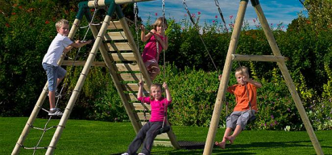 Руководство по выбору и установке детских качелей для дачи