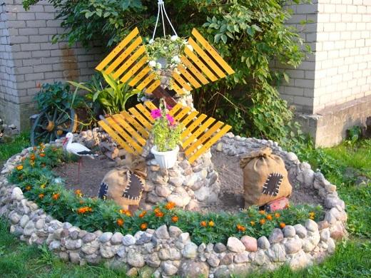 Декоративная каменная мельница
